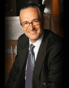 Líder empresarial mexicano que cursó sus estudios de Contaduría Pública en el Instituto Tecnológico de Estudios Superiores de Monterrey