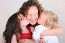Plantearse un proyecto de vida ya siendo madres puede hacer sentir a algunas que están a destiempo