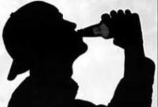 El alcoholismo y el trastorno bipolar inducen al sonambulismo.