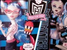 Las muñecas góticas que traen locas a las niñas.