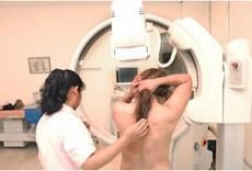 Las mujeres de más e 30 años deben incluir mastografía.