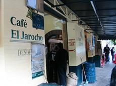 Tomarse un café jarocho es ya una tradición en esta zona.