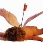 Cupido carga flechas de oro para enamorar y de plomo para la indiferencia.