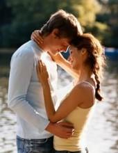 Dopamina, oxitocina y endorfina se liberan con un abrazo.