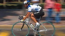 Las bicis deportivas demandan una posición inclinada hacia el frente.