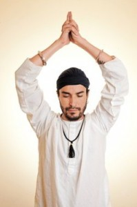 La yoga logra que la mente este 100% acorde al cuerpo.
