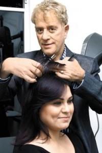 No importa quién lo corte, el cabello crece 1.3 cm al mes.