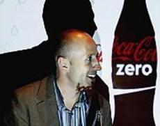 La Coca Cola Zero contiene ciclamato de sodio.