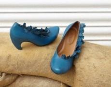 Los zapatos se olvidan bajo de la cama y en armarios.