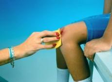 En una cortadura es primordial parar el sangrado con presión.