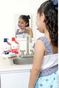Enjuagues de clorhexidina ayudan a reducir las bacterias en la boca.