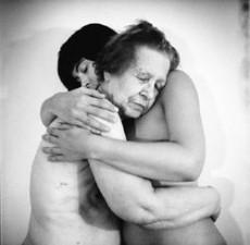 Hay diferentes campañas y grupos que fomentan la abrazoterapia.