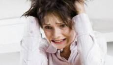 El desarrollo de la fibromialgia se asocia con la presencia de violencia.
