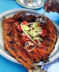 El pescado a la talla fue uno de los platillos en la cena.