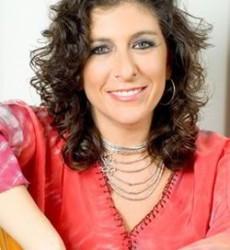 TANYA MOSS, diseñadora de accesorios.