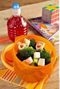 Lunch es un alimento ligero que se ingiere entre desayuno y comida.