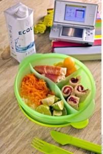 Guardar los alimentos en recipientes herméticos para conservarlos frescos.