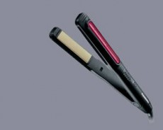 Alaciadora que retiene la humedad y el tinte con 5 niveles de temperatura.