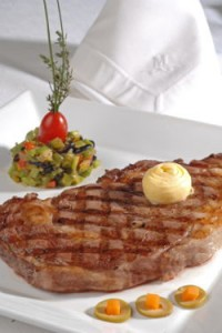 Ayuda comer 2 veces por semana carne roja y frutas y verduras.