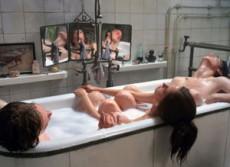 Trieja se refiere a 3 personas involucradas sexual y sentimentalmente.