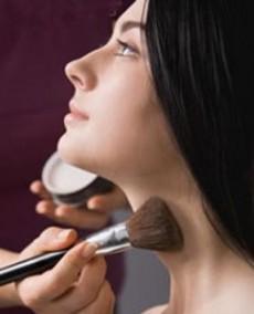 El maquillaje, la dieta y la postura pueden ser pequeños trucos.