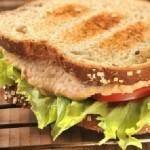 Sandwich de atún al chipotle