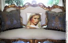 Paris Hilton tiene su closet repleto de prendas de diseñador.