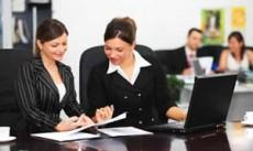 Si quieres conseguir empleo baja de peso y busca un look más formal-