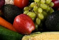 Frutas y verduras se deben evitar porque son difíciles de digerir.